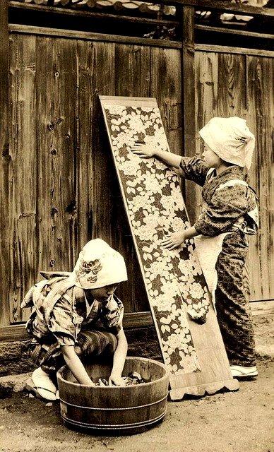 Vintage Japanese women wallpapering apanel