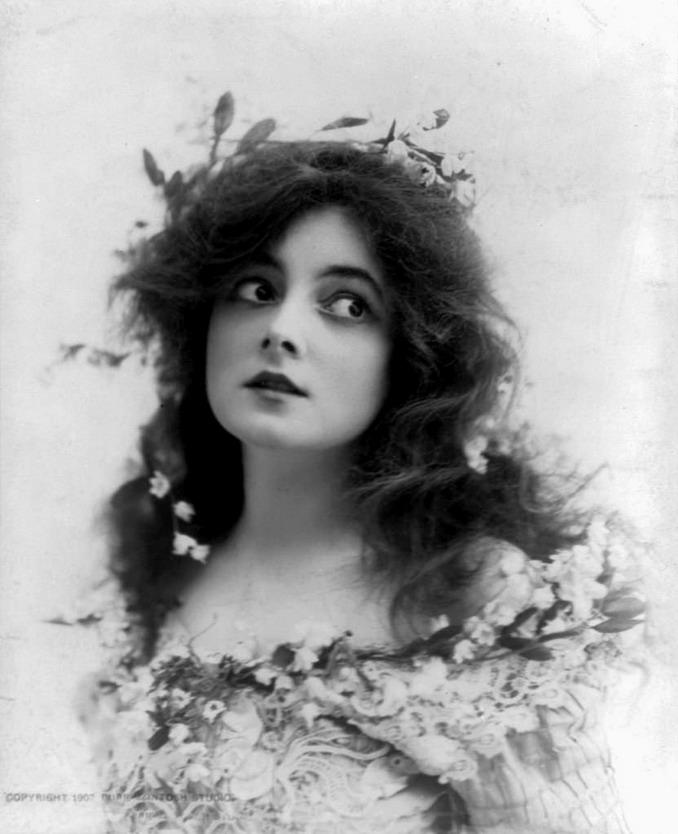Marie Dora, actress,1902