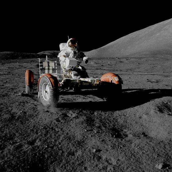 Dune buggy on the moon,1972