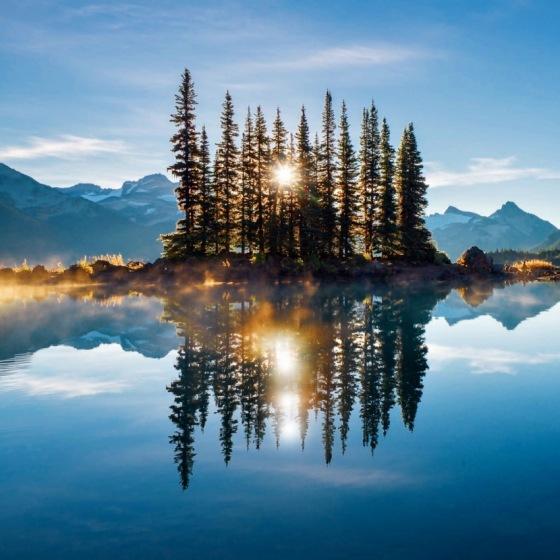 MOUNTAIN LAKE 3745
