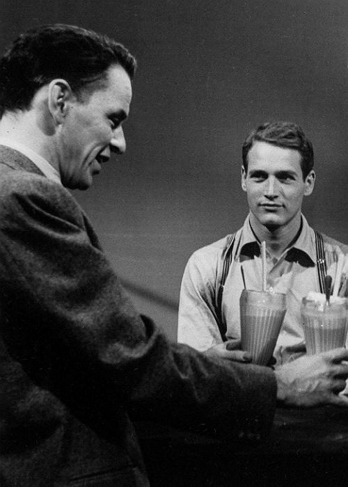 Frank Sinatra with young Paul Newman, havingmilkshakes