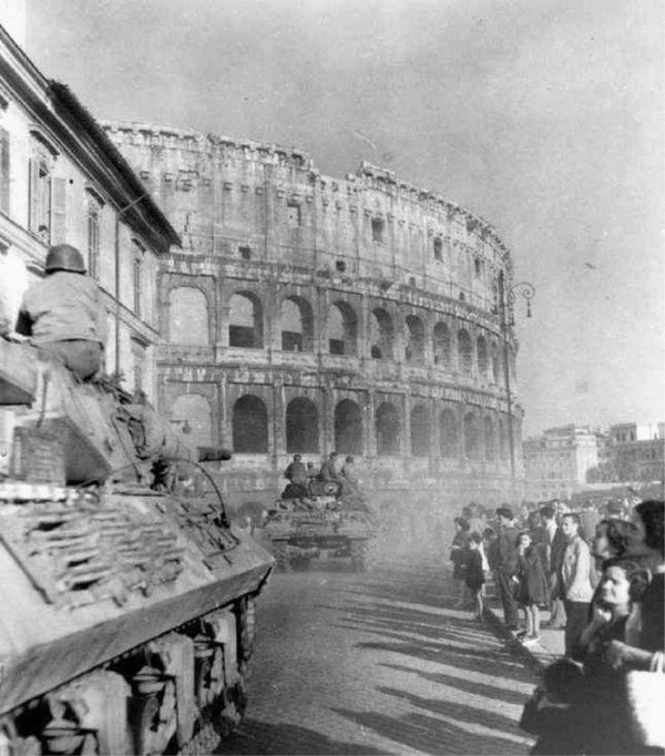 American troops invading Rome, WWII,1944