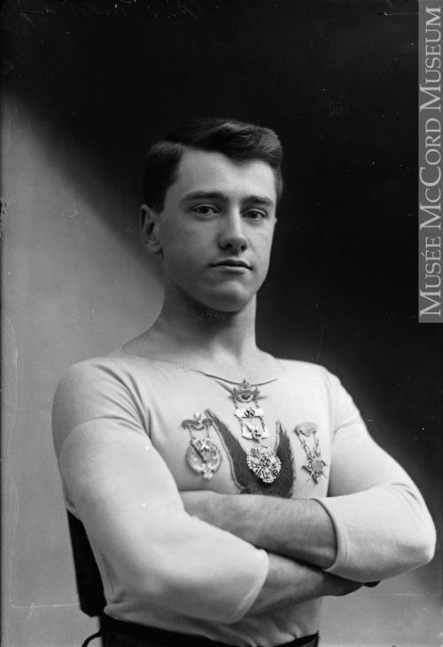Vintage decorated athlete,Montréal