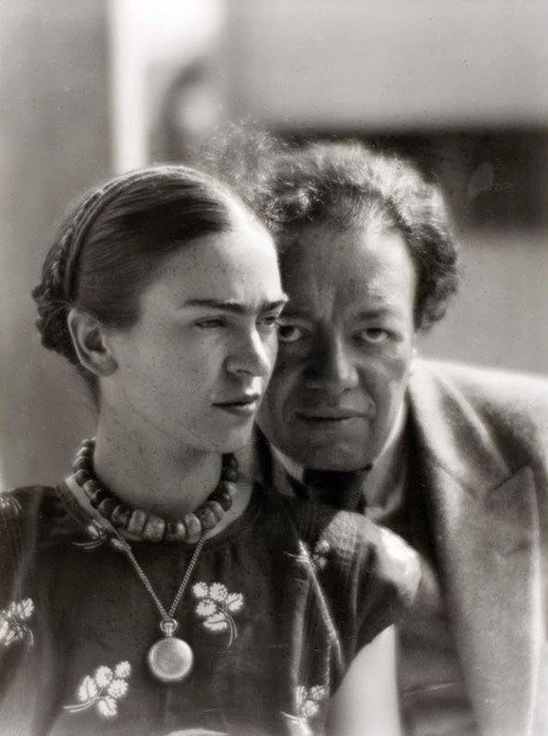 Mexican artists Diego Rivera and Frida Kahlo in Mexico, 1933