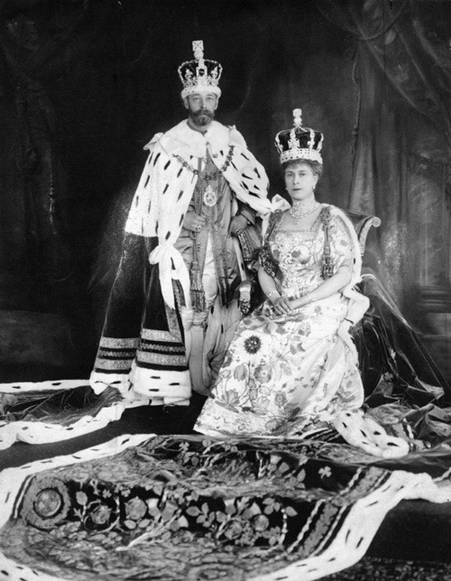 King George V & Queen Mary, all decked out in their royal finery