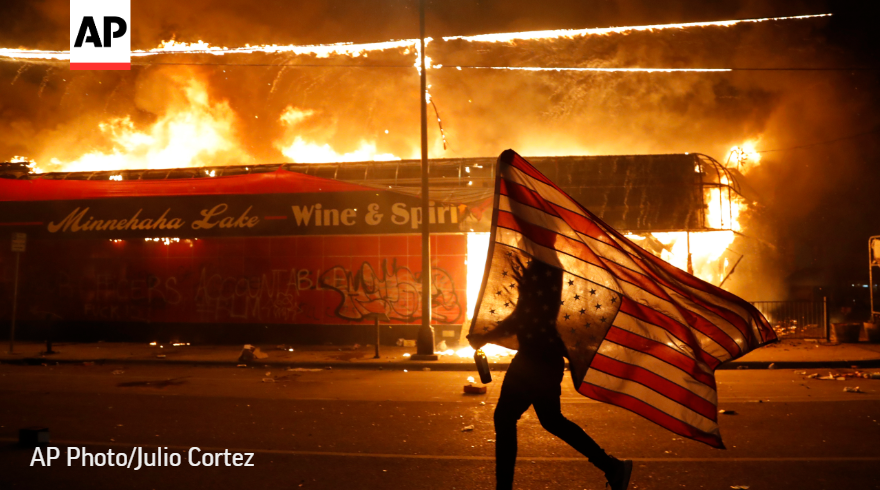 Riots for justice for black man murdered by white police officers, Minneapolis, May2020