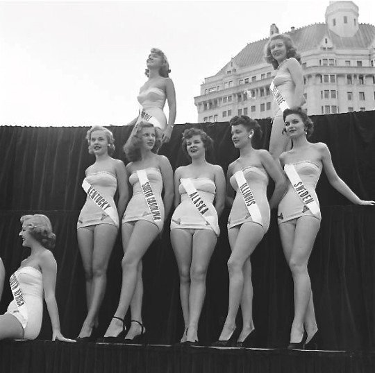 Miss Universe contestants, early1950s