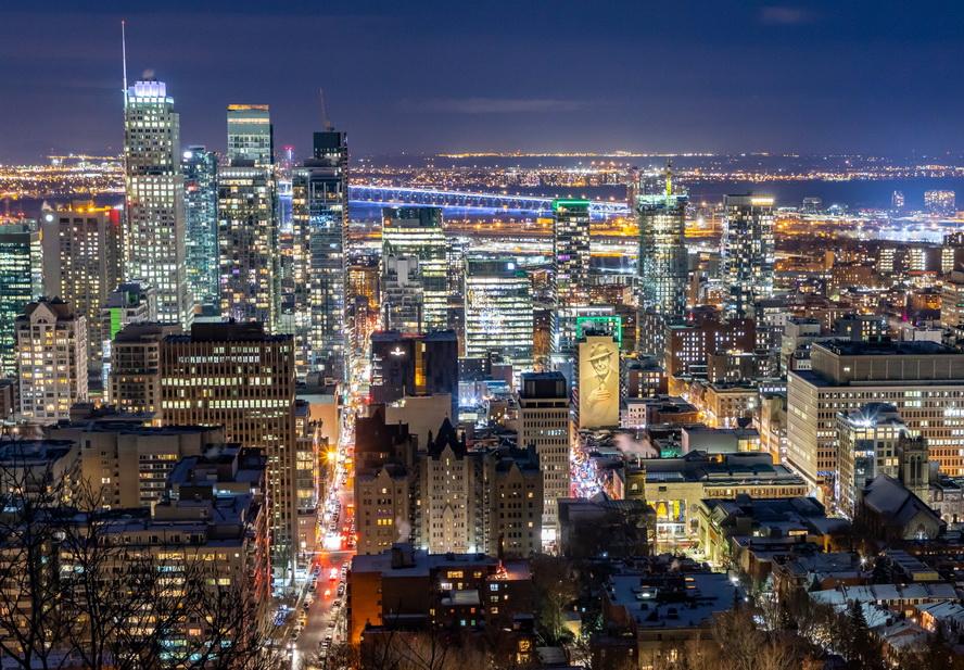 Montréal at night