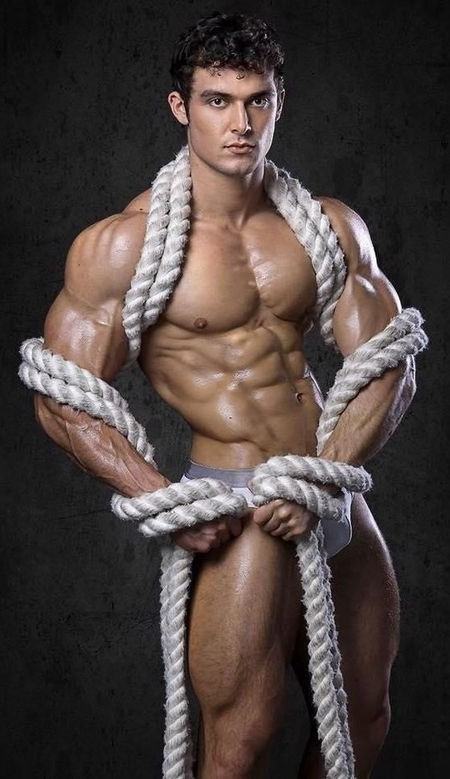 Model Josh Watson, inbondage