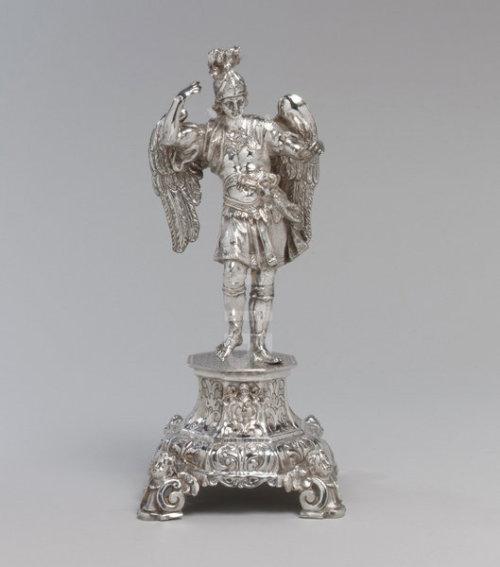 Saint Michael insilver