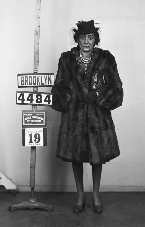 Bad girl, Brooklyn, 1940s
