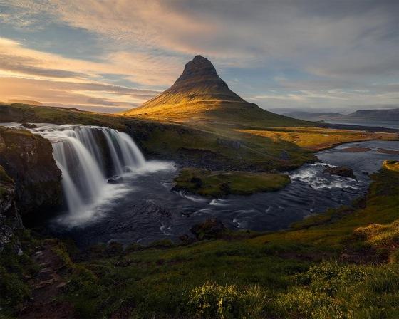 ICELAND 7979