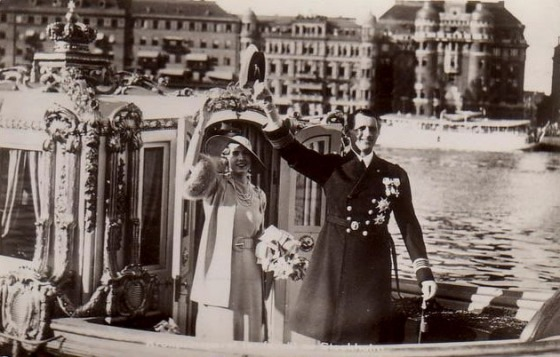 KING AND QUEEN OF SWEDEN BOAT