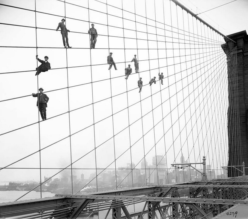 Workers on the Brooklyn Bridge,NYC