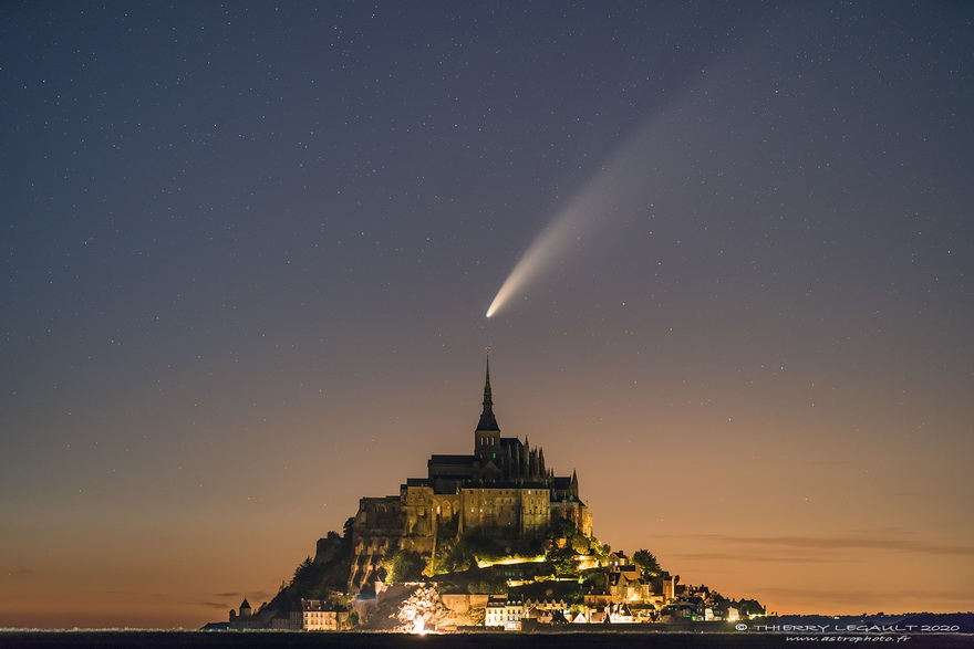 Comet Neowie over Mont St. Michel, France, July2020