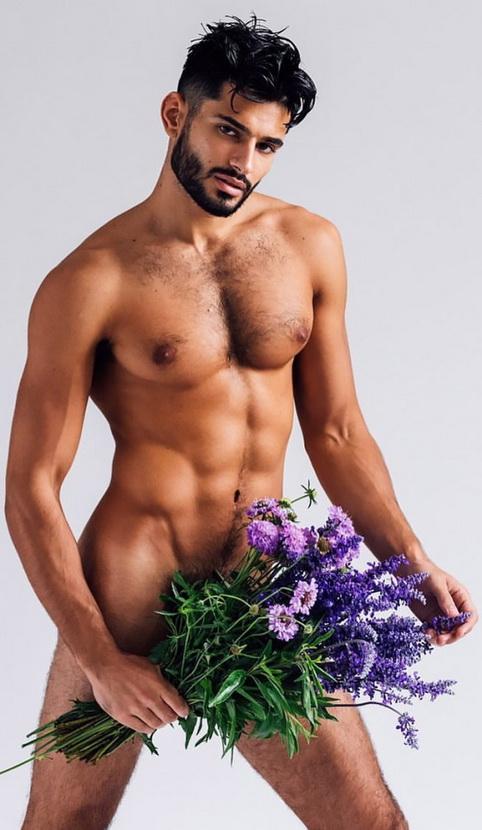 FLOWERS 675468