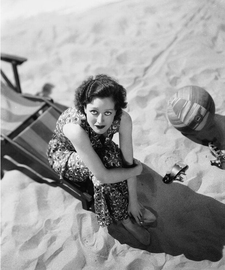 Young Joan Crawford at the beach,1920s