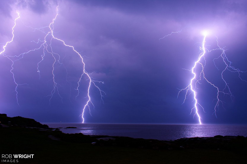 Lightning hitting thewater