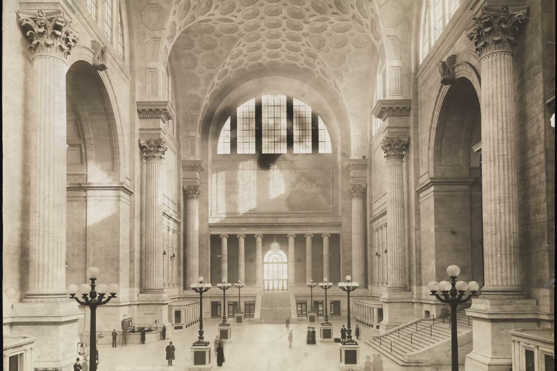 Main floor of the old Penn Station,NYC