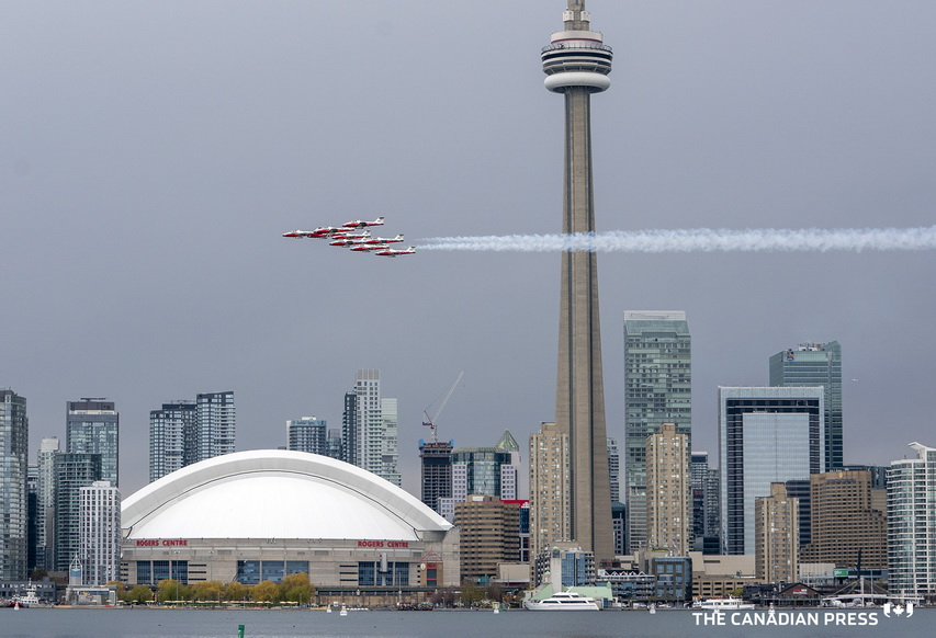 RCAF Snowbirds flying past Toronto earlier thisyear