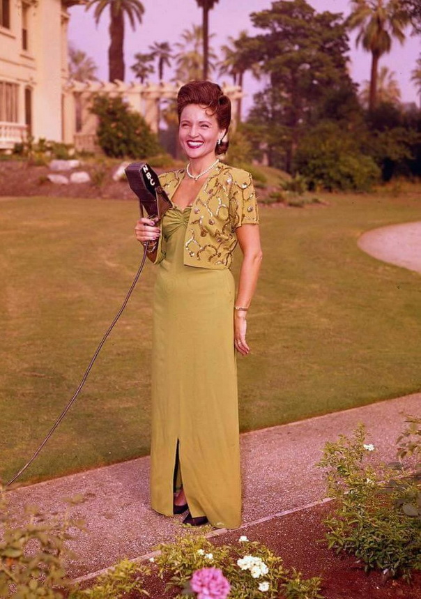 Betty White, 1940s