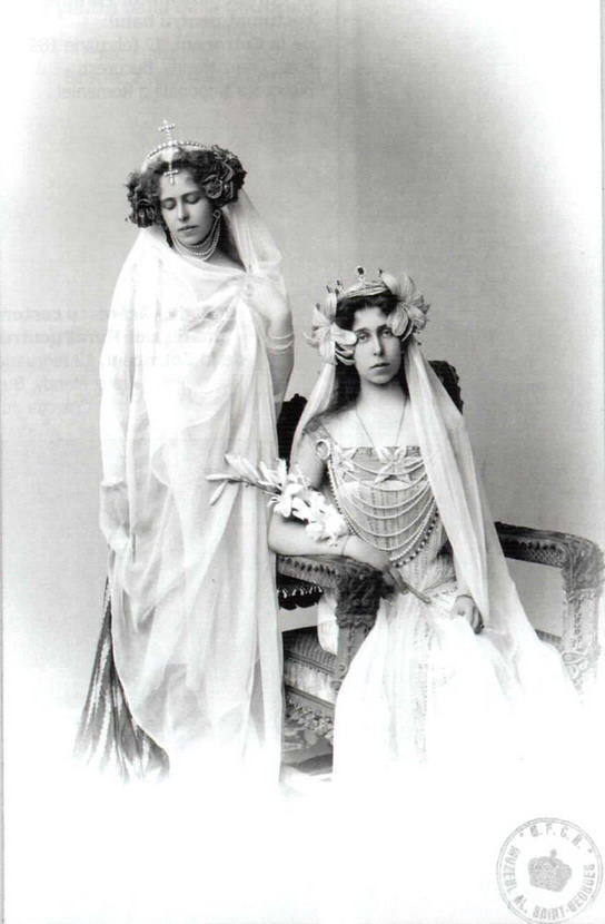 Crown Princess Marie of Romania and her sister Grand Duchess Victoria Melita of Hesse (Germany)