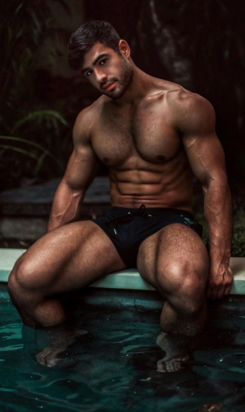 British fitness model Dan Tai