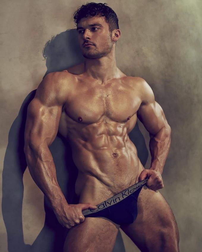 Model Josh Watson
