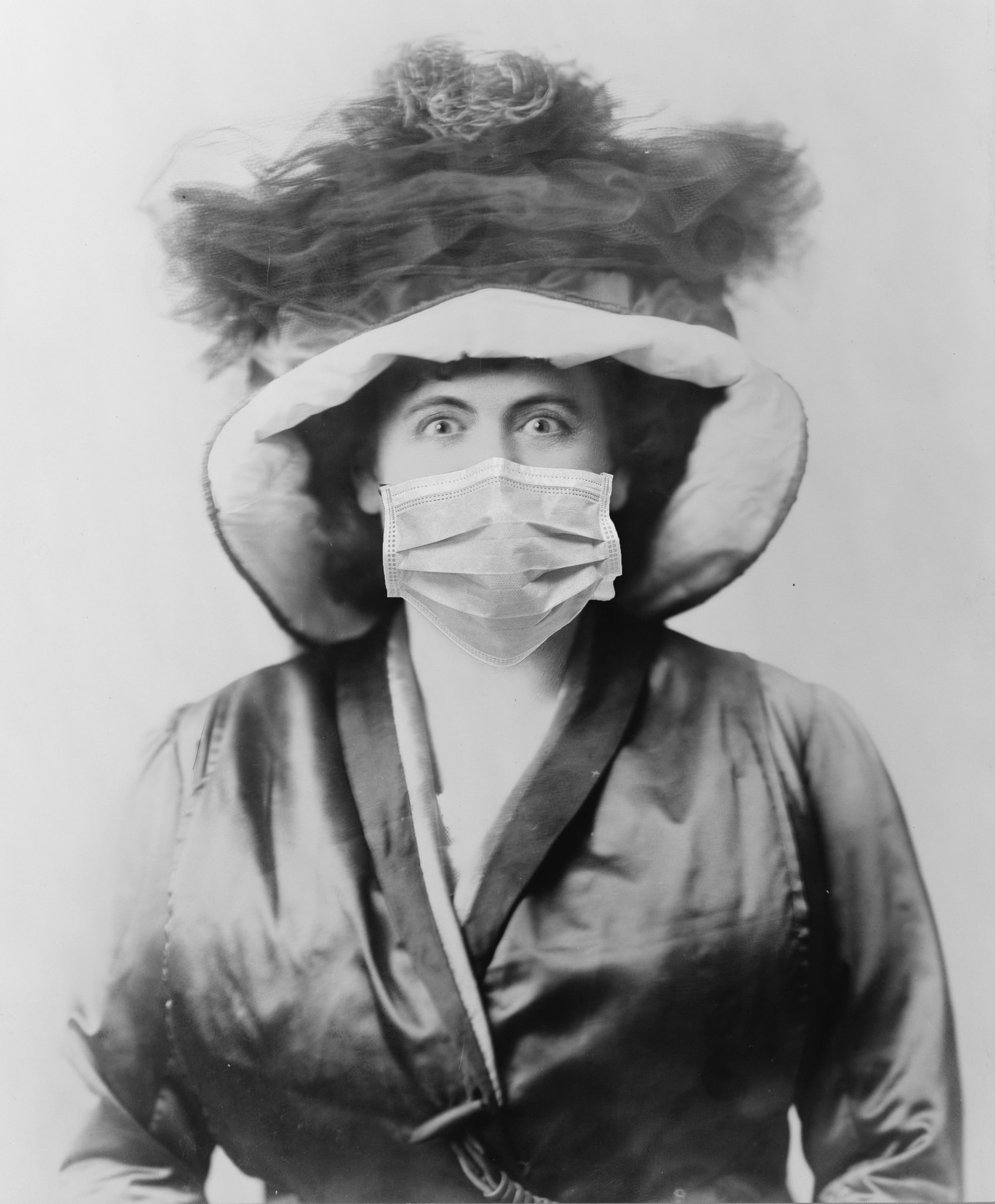 Actress Marie Dressler wearing a mask during the influenza pandemic of 1918
