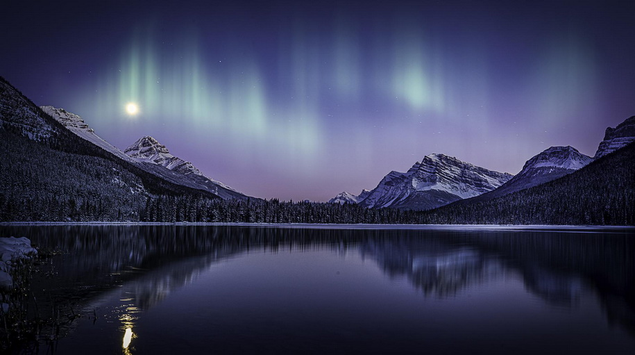 Mountains and aurora borealis
