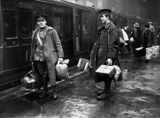 WWI SOLDIERS LEAVING