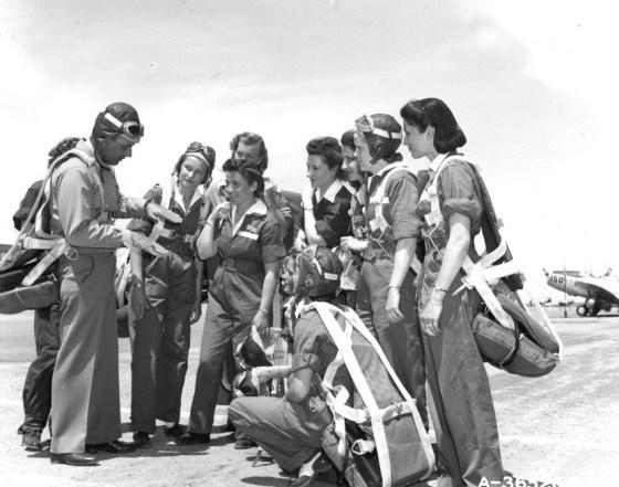 WWII FEMALE AVIATORS US