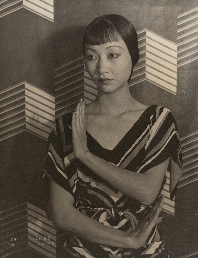 Chinese-American actress Anna May Wong photographed by Carl Van Vechten, 1935