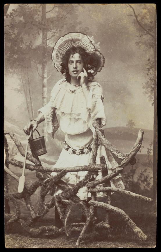Drag queen, 1800s