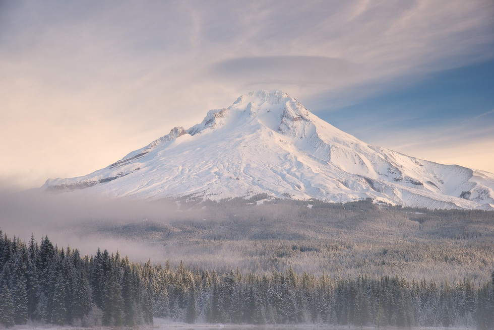 Mount Hood, Oregon, in winter (photo by by Justin Poe)