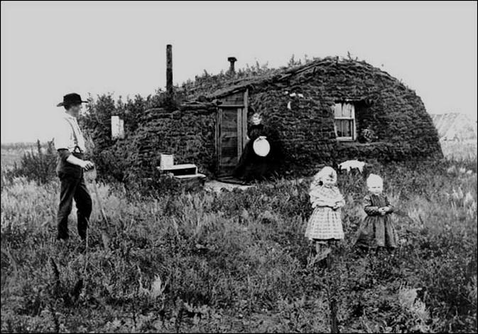 Homestead on the windswept plains of Nebraska,1800s