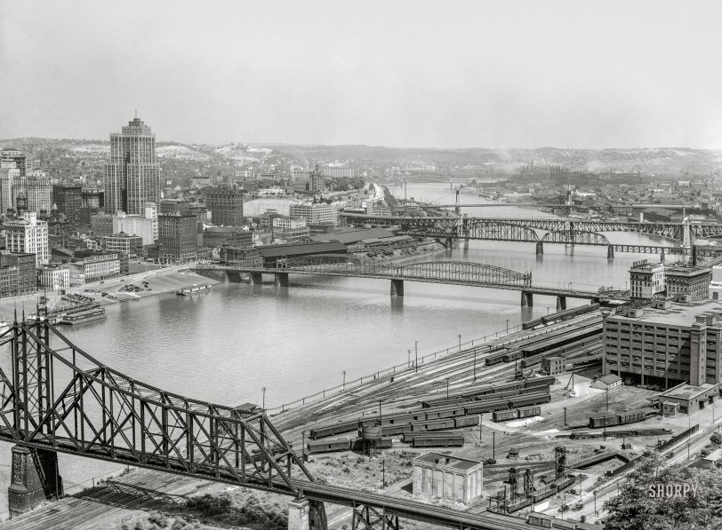 Pittsburgh, photo by Arthur Rothstein,1938