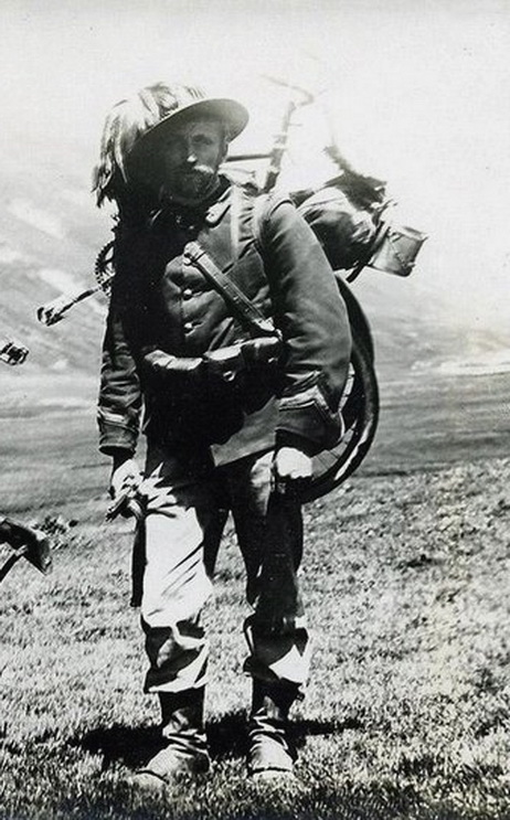 Soldier with a foldingbicycle
