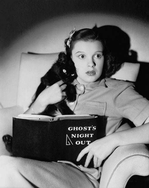 Young Judy Garland reading ghost stories, circa 1940
