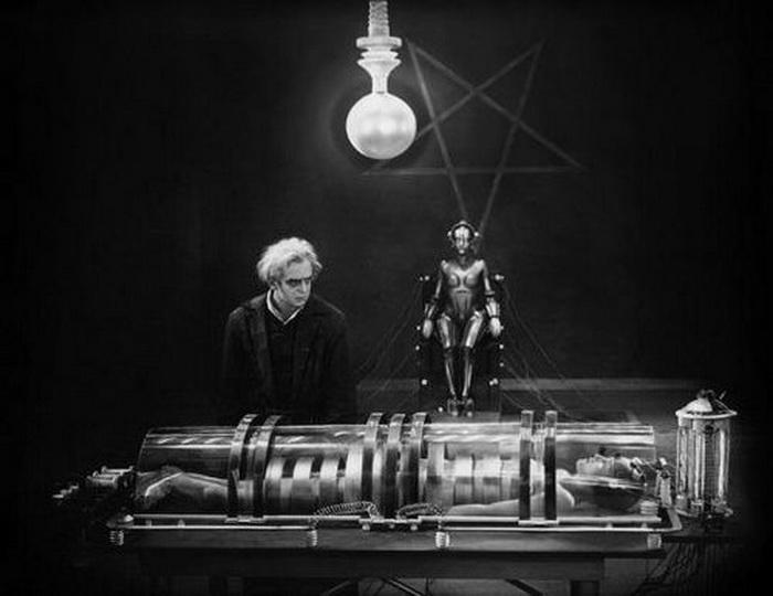 """Scene from the 1927 German Sci-Fi classic """"Metropolis"""""""