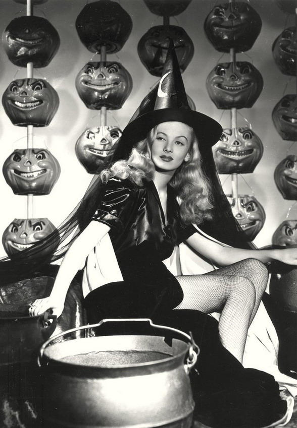 Veronica Lake Halloween photo, 1940s