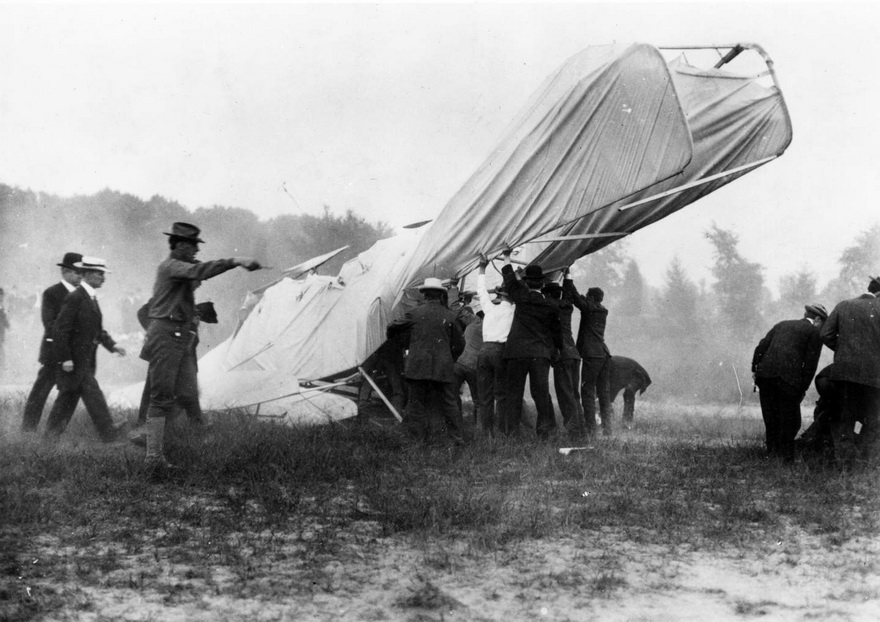 At the scene of the first airplane crash fatality, 1908