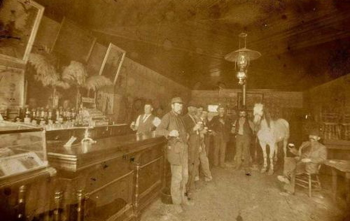 Saloon (with a horse), Utah, 1905