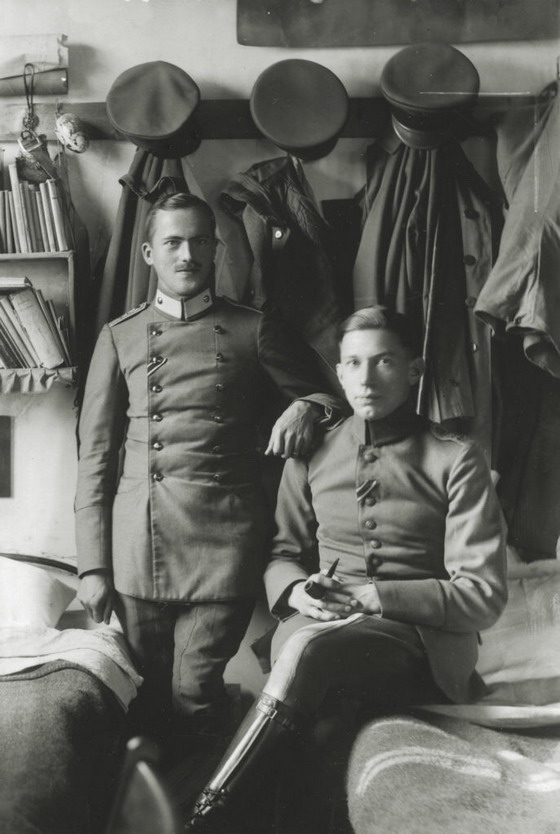 German officers being held prisoner in England duringWWI