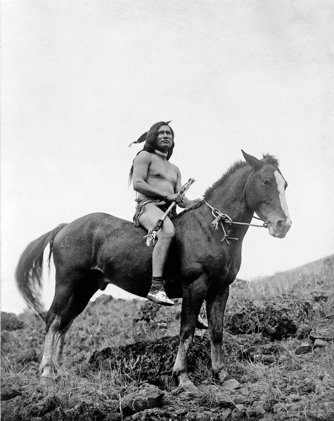 Native North American, Pacific Northwest, photo by Edward Curtis, circa 1910