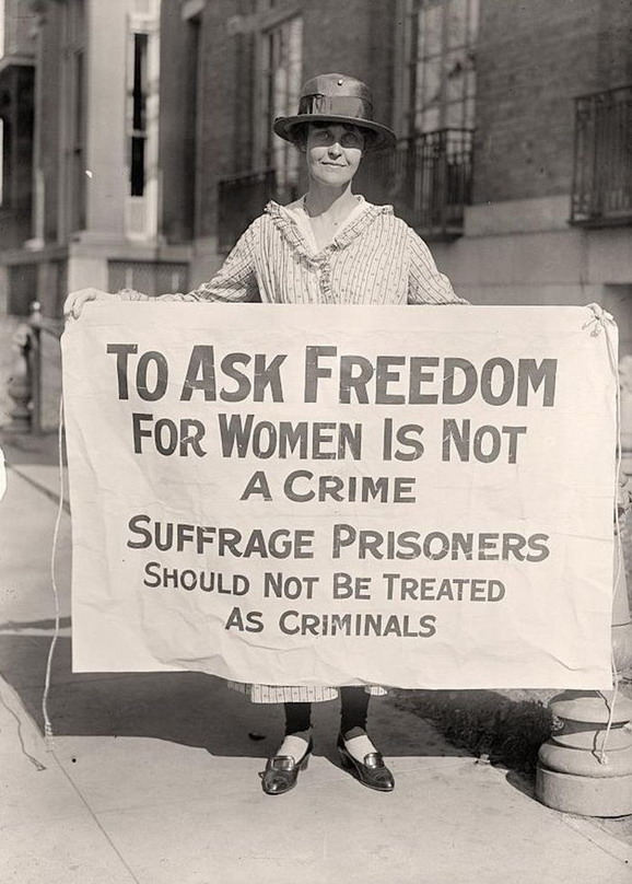 Protesting for the right of women to vote, 1910s