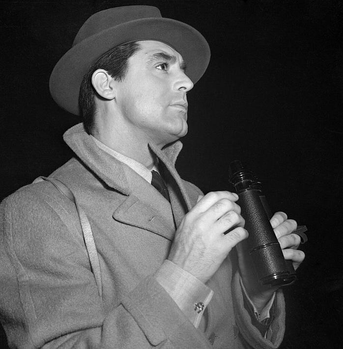 Cary Grant at the horse racing track, California,1940