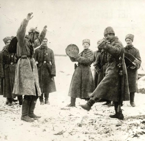 German prisoners of war dancing with/for their Russian captors,WWI