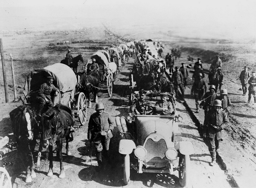German soldiers invading Russia,WWI