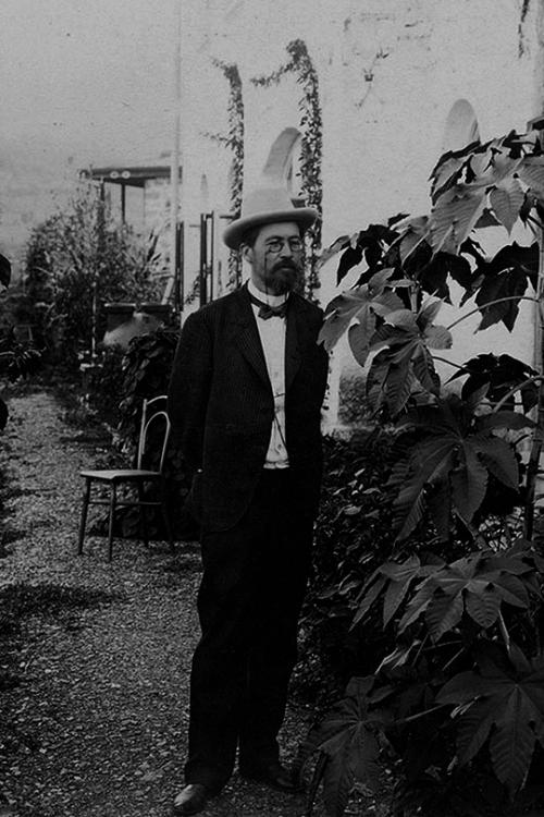 Anton Chekov, 1900